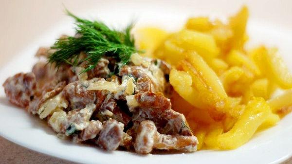 лисички в сметане с картошкой рецепт с фото