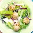 Как приготовить салат с фрикадельками
